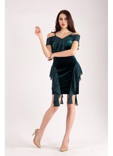 Belamore  Zümrüt Ip Askılı Göğüs Ve Yanları Şifon Fırfır Detaylı Kadife Kumaş Abiye & Mezuniyet Elbisesi 1608204.123 Yeşil